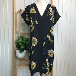 Zara Short Sleeve Navy & Black Floral Shift Dress